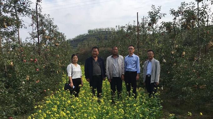 中心领导带队看望佳县科技扶贫干部